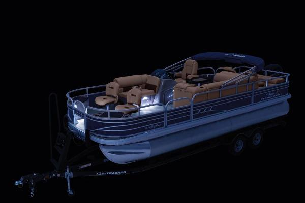 2020 Sun Tracker boat for sale, model of the boat is Fishin' Barge 22 DLX & Image # 11 of 17
