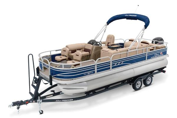 2020 Sun Tracker boat for sale, model of the boat is Fishin' Barge 22 DLX & Image # 6 of 17