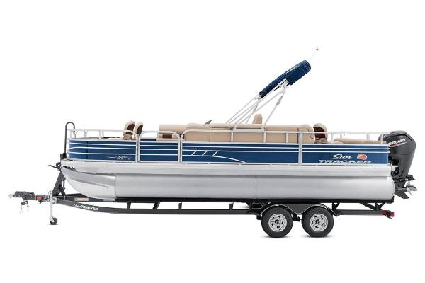 2020 Sun Tracker boat for sale, model of the boat is Fishin' Barge 22 DLX & Image # 9 of 17