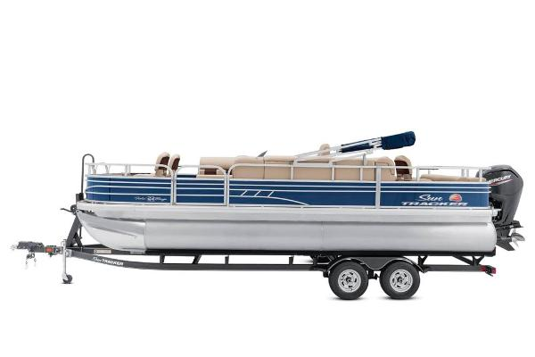 2020 Sun Tracker boat for sale, model of the boat is Fishin' Barge 22 DLX & Image # 10 of 17
