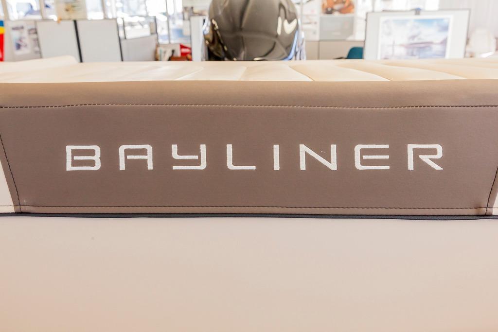 BaylinerVR6 Bowrider OB