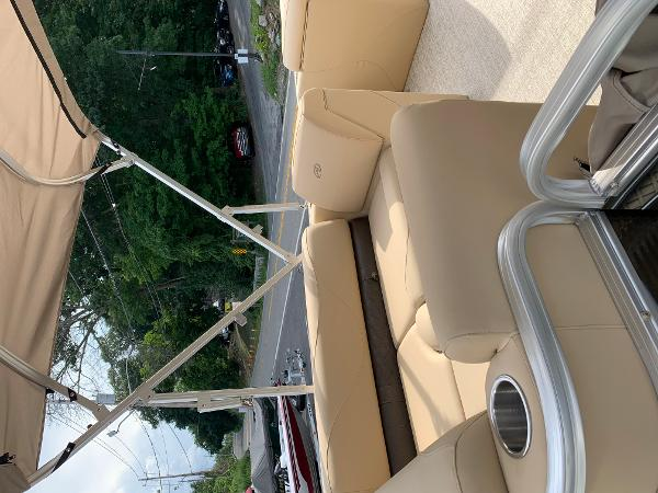 2020 Avalon boat for sale, model of the boat is VTX Cruise & Image # 4 of 7