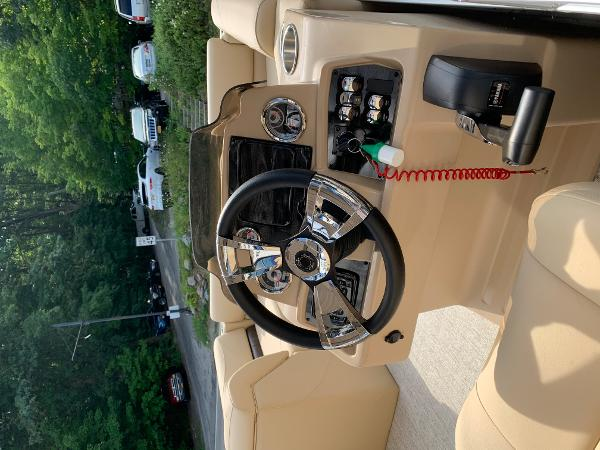 2020 Avalon boat for sale, model of the boat is VTX Cruise & Image # 5 of 7