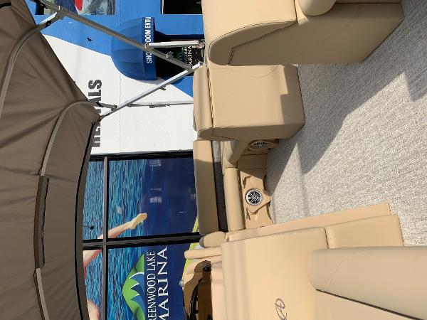2020 Avalon boat for sale, model of the boat is VTX Cruise & Image # 7 of 7