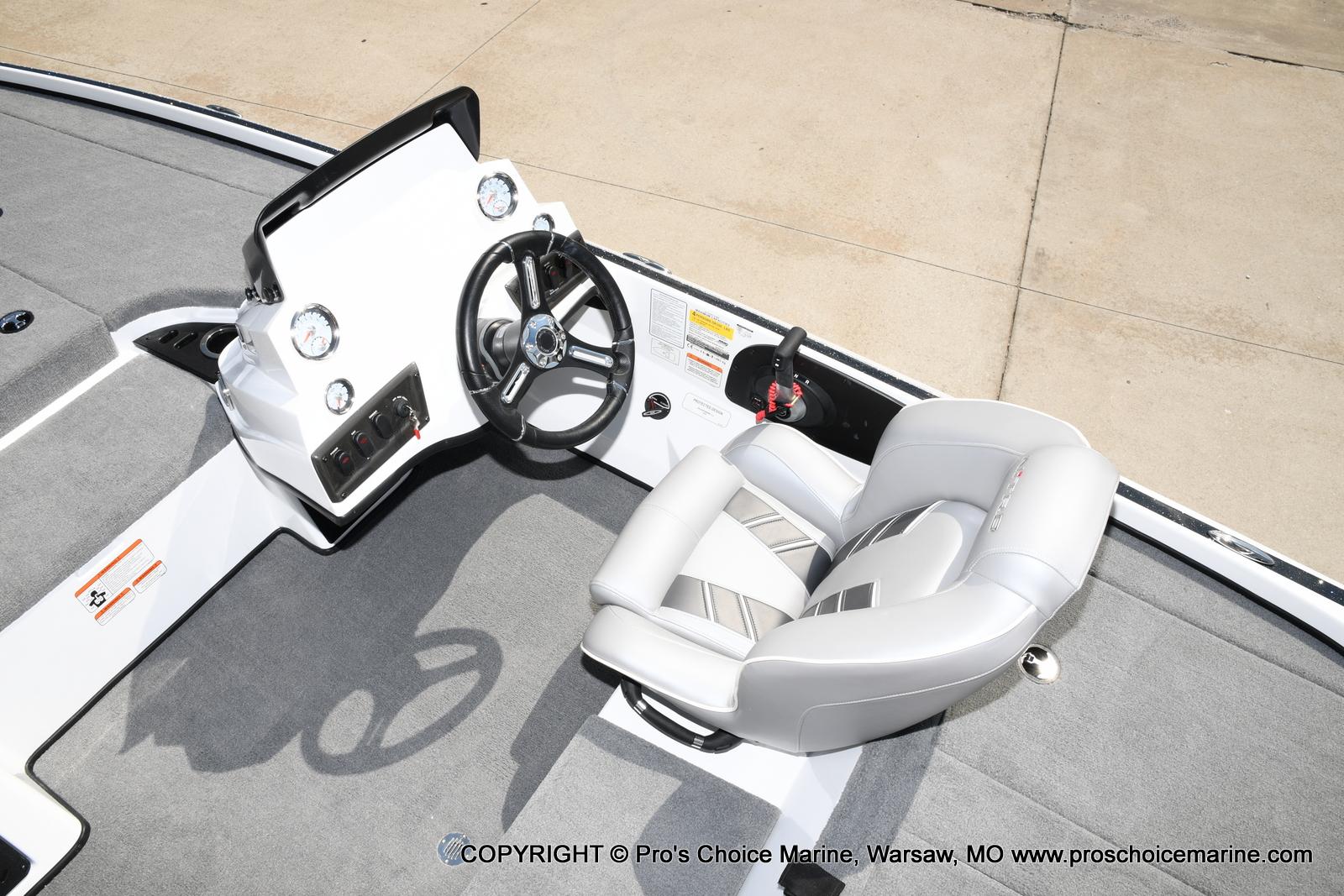 2021 Nitro boat for sale, model of the boat is Z18 & Image # 29 of 50