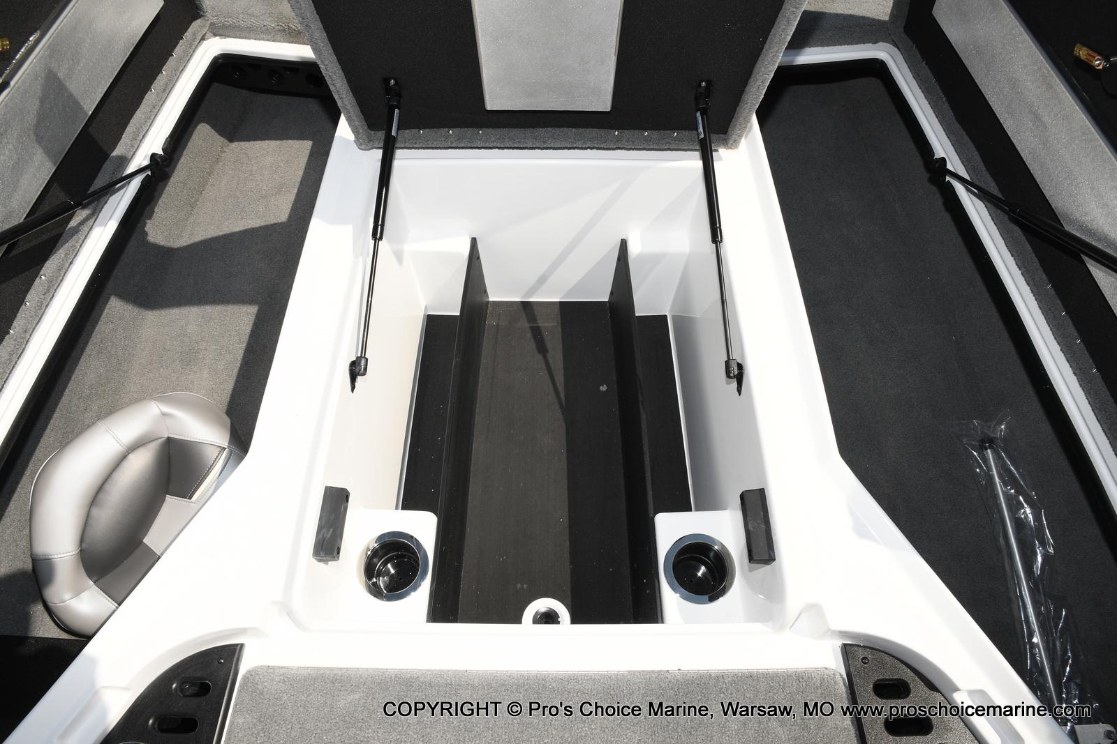 2021 Nitro boat for sale, model of the boat is Z18 & Image # 8 of 50