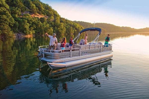 2020 Sun Tracker boat for sale, model of the boat is Fishin' Barge 22 XP3 & Image # 2 of 71