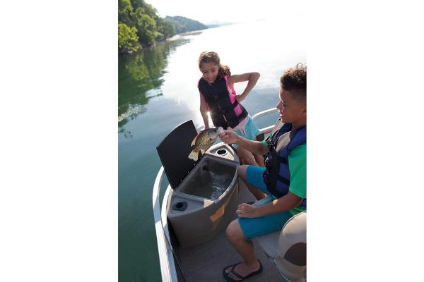 2020 Sun Tracker boat for sale, model of the boat is SportFish 22 XP3 & Image # 10 of 15