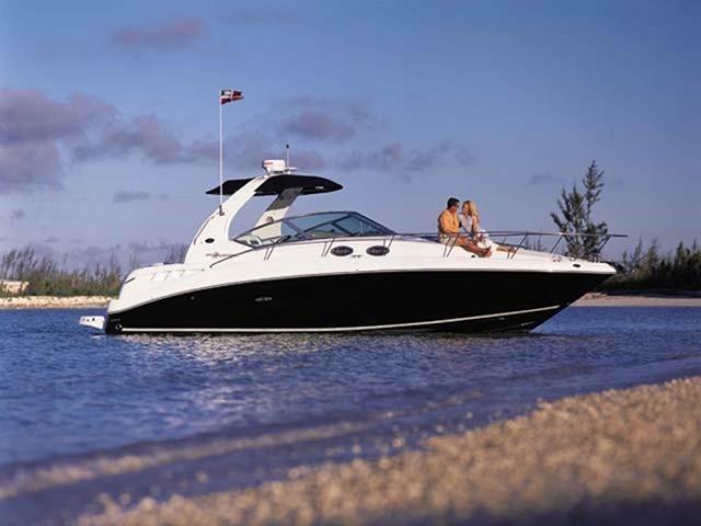 Sea Ray 335 Sundacer Profile