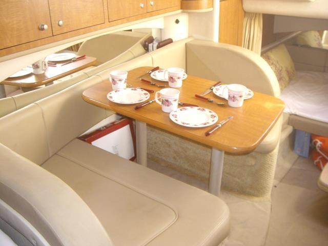 Sea Ray 335 Salon Dining