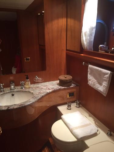 Canados 24 Bathrooms