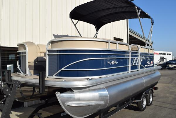 2020 Sun Tracker boat for sale, model of the boat is Party Barge 20 DLX & Image # 11 of 54