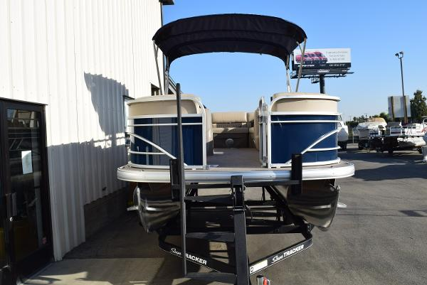 2020 Sun Tracker boat for sale, model of the boat is Party Barge 20 DLX & Image # 18 of 54