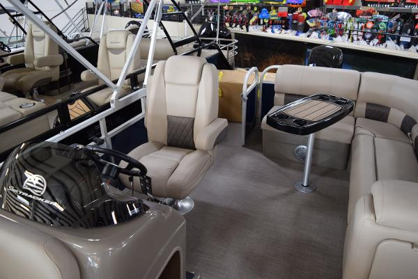 2020 Sun Tracker boat for sale, model of the boat is Party Barge 20 DLX & Image # 29 of 54
