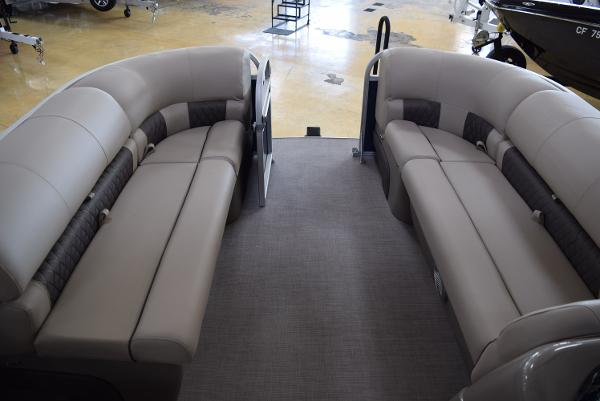 2020 Sun Tracker boat for sale, model of the boat is Party Barge 20 DLX & Image # 38 of 54