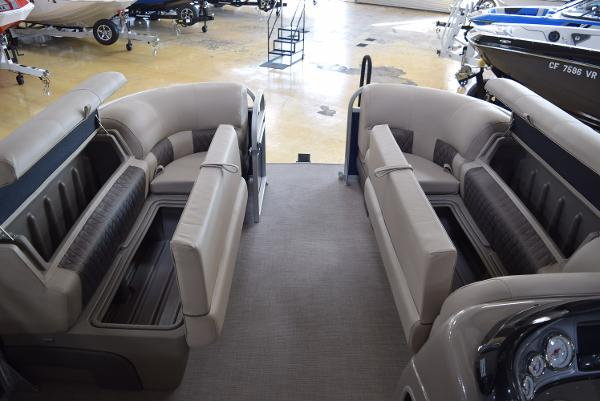2020 Sun Tracker boat for sale, model of the boat is Party Barge 20 DLX & Image # 41 of 54