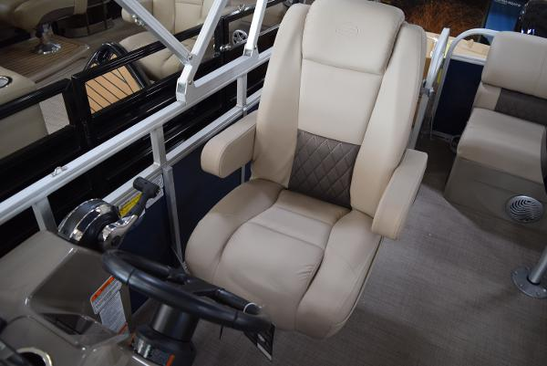 2020 Sun Tracker boat for sale, model of the boat is Party Barge 20 DLX & Image # 47 of 54