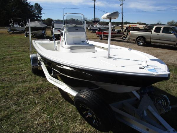2020 Mako boat for sale, model of the boat is 18 LTS & Image # 1 of 13