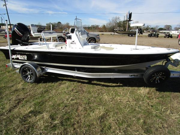 2020 Mako boat for sale, model of the boat is 18 LTS & Image # 2 of 13