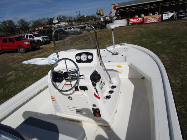 2020 Mako boat for sale, model of the boat is 18 LTS & Image # 3 of 13