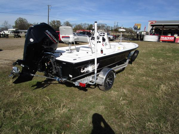 2020 Mako boat for sale, model of the boat is 18 LTS & Image # 4 of 13