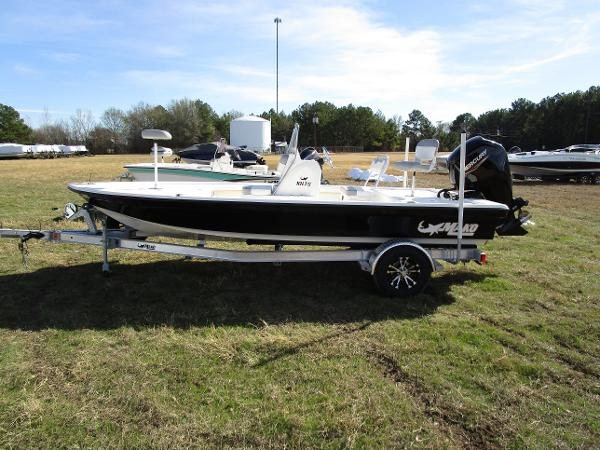 2020 Mako boat for sale, model of the boat is 18 LTS & Image # 8 of 13