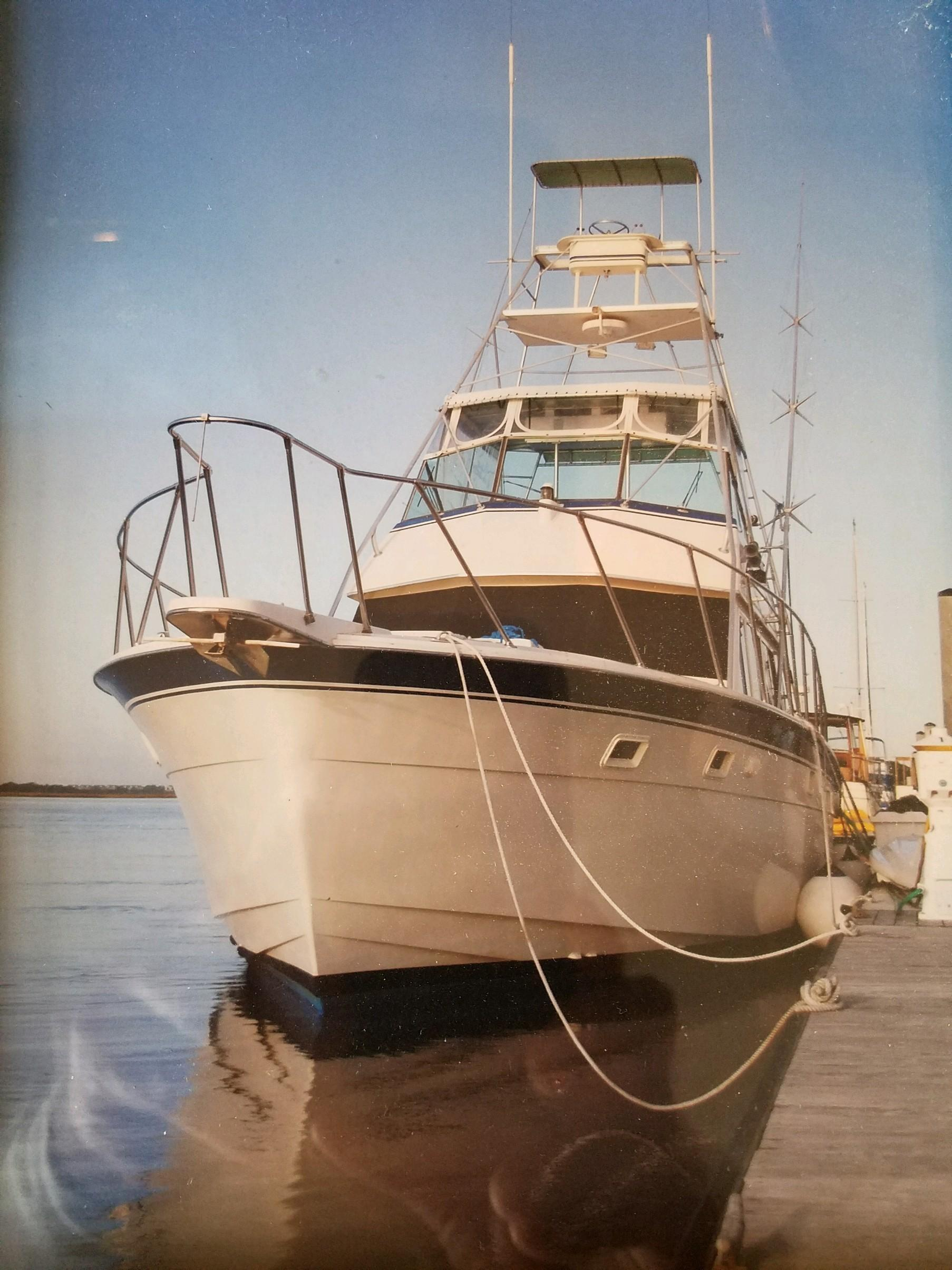 Hatteras Convertible - MUST SEE - Dockside