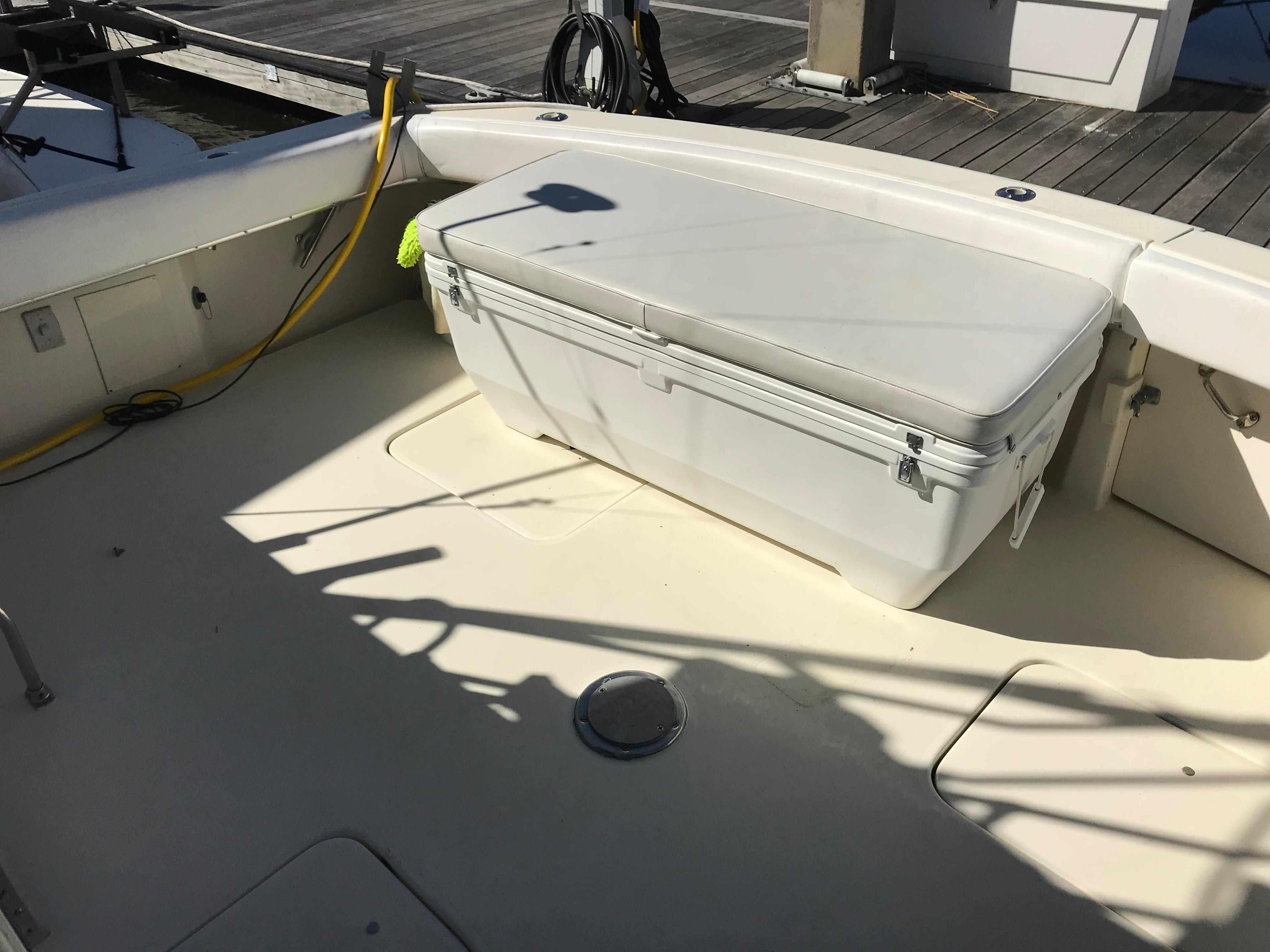 Hatteras Convertible - MUST SEE - Cockpit