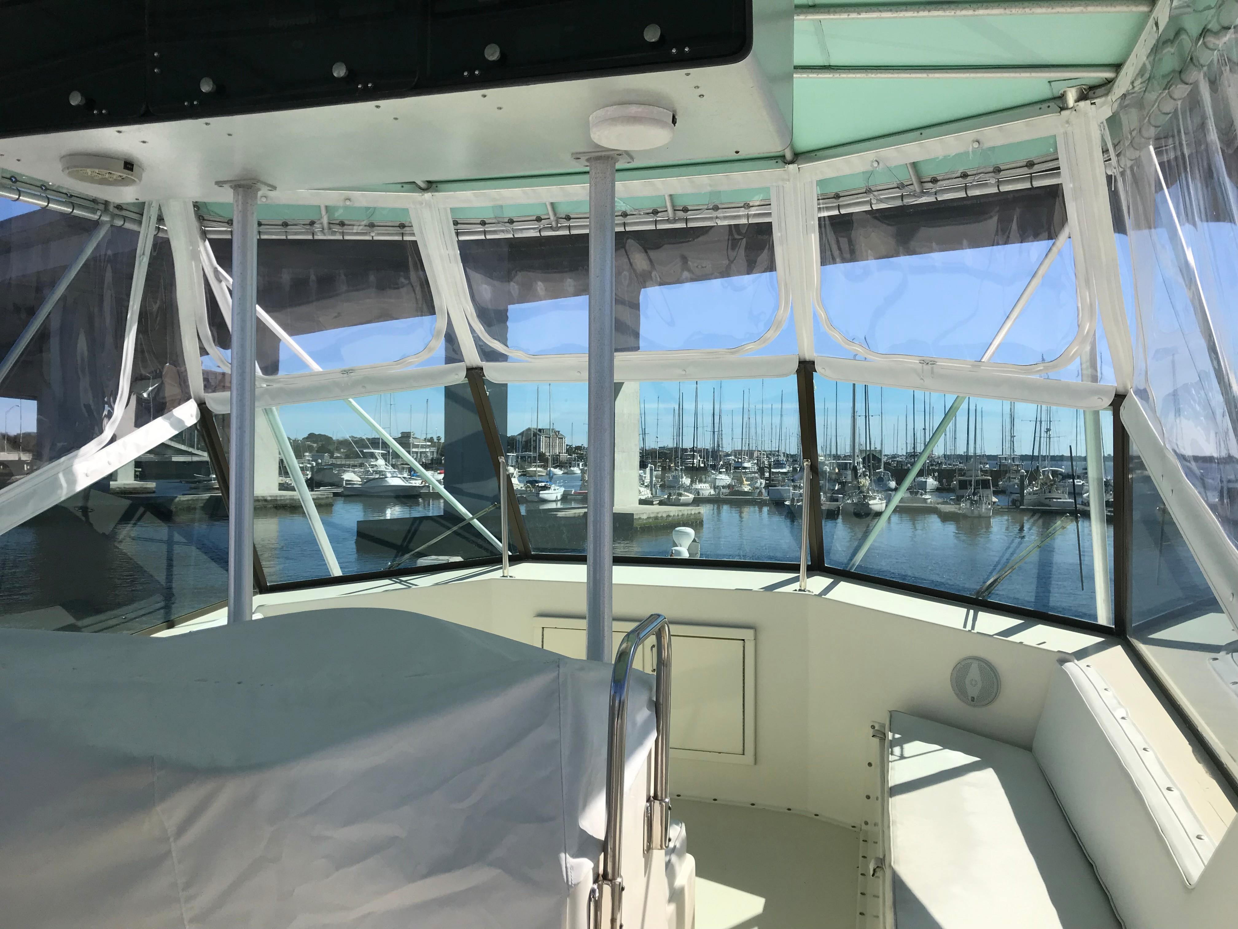 Hatteras Convertible - MUST SEE - Flybridge forward