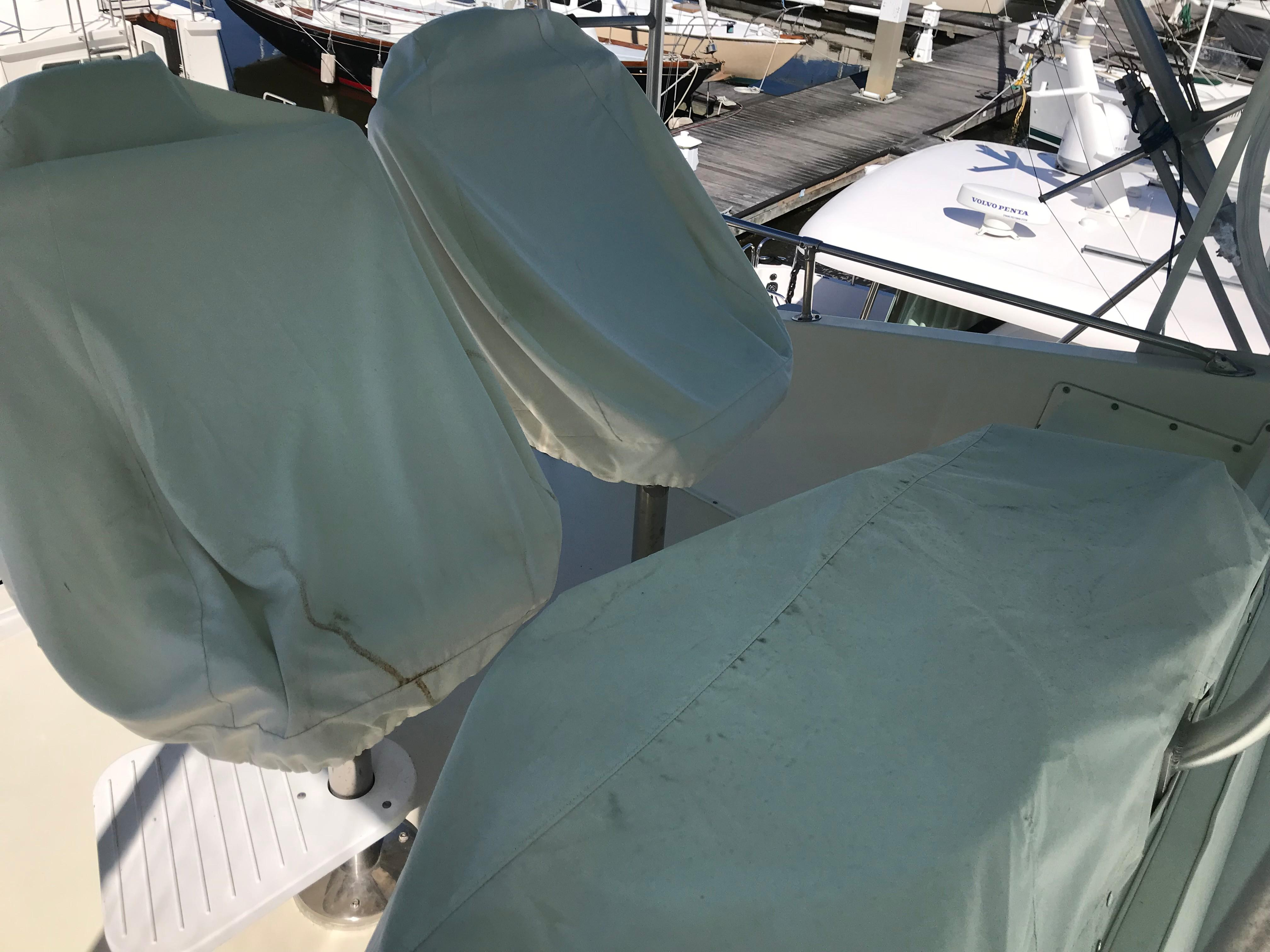 Hatteras Convertible - MUST SEE - Custom Covers