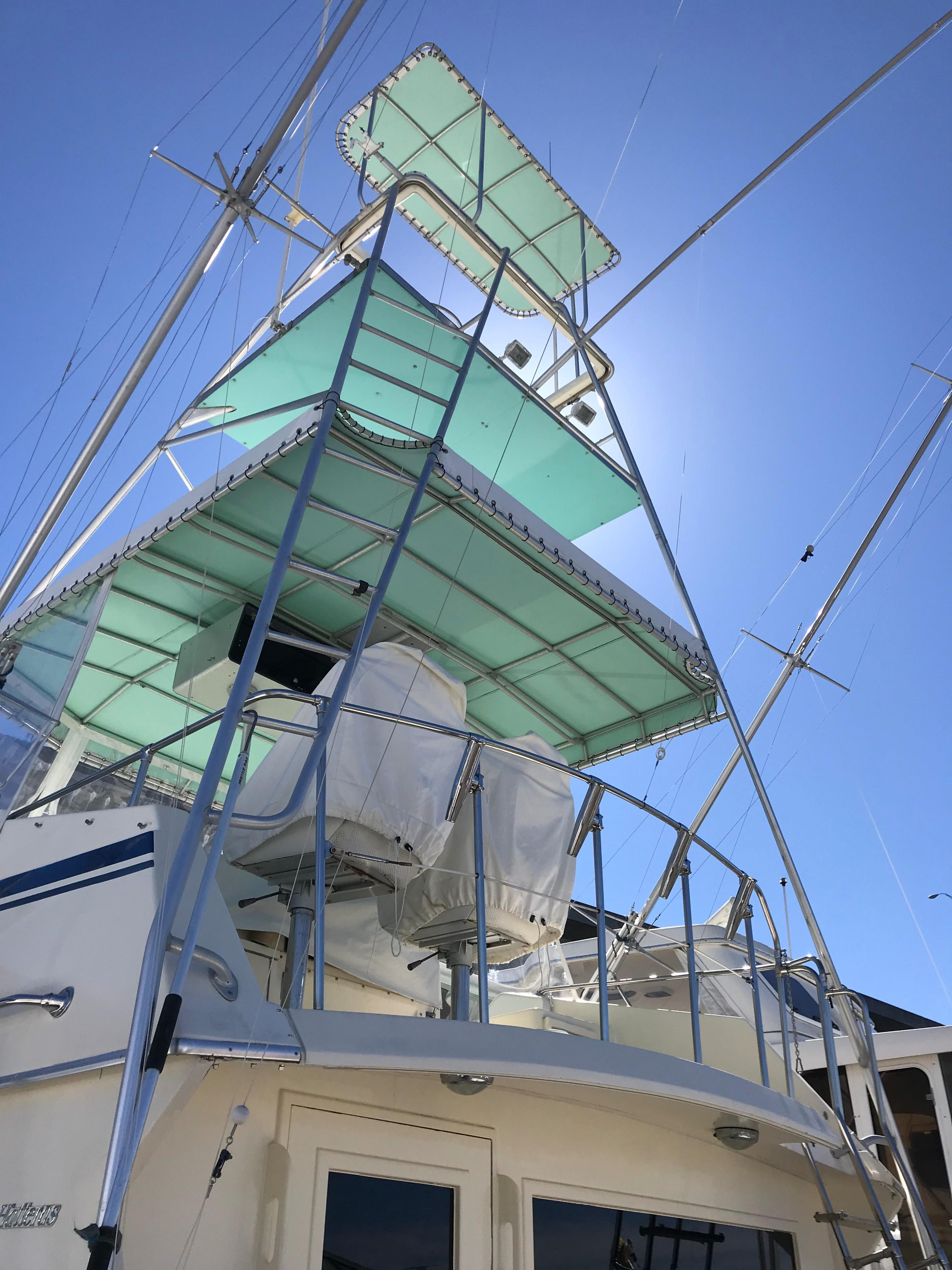 Hatteras Convertible - MUST SEE - Flybridge and Tower