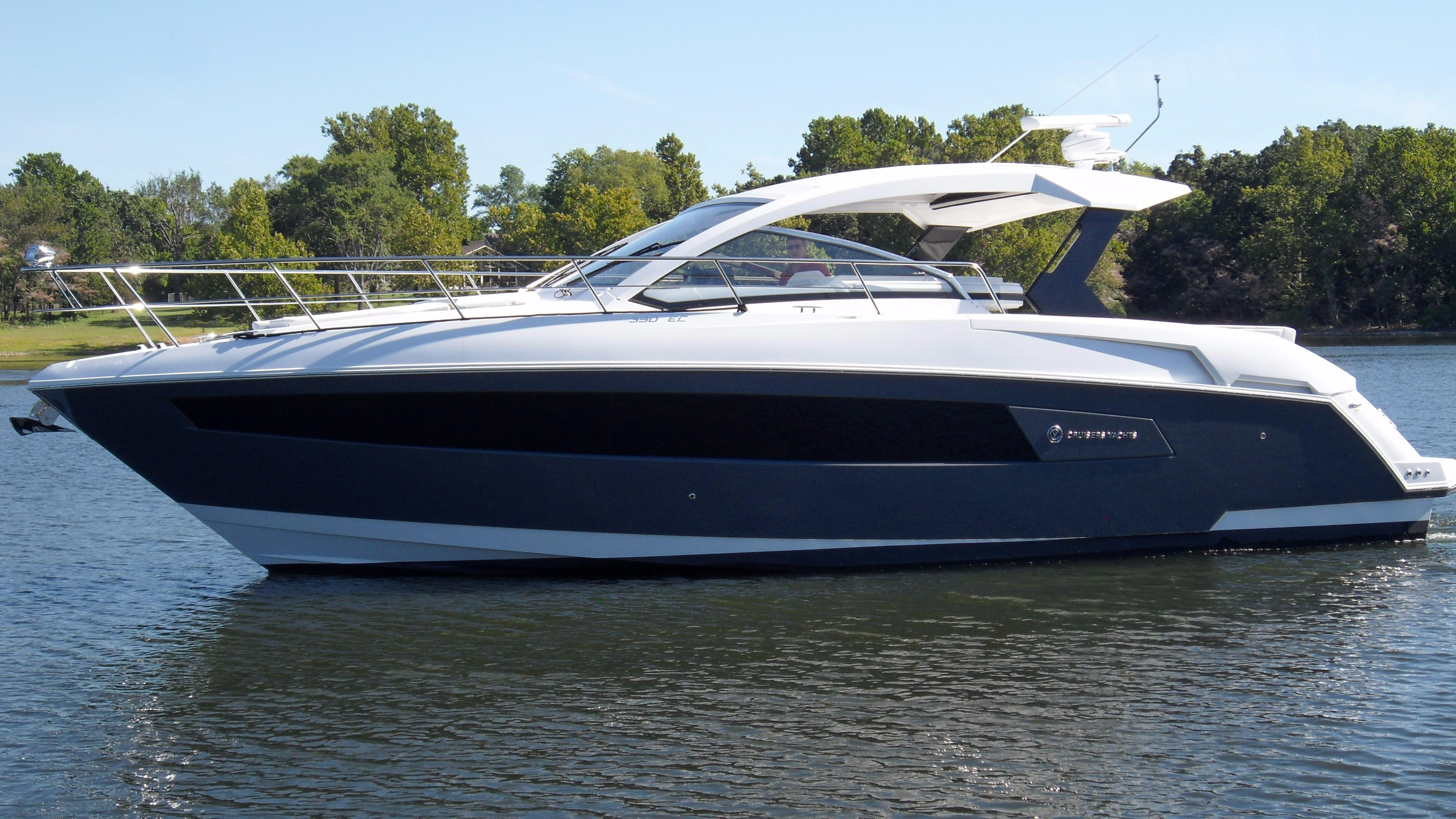 39 Cruisers Yachts 2016 Grand Lake Denison Yacht Sales