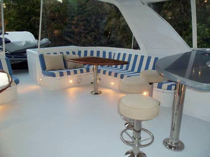 FLYBRIDGE PORT SEAT