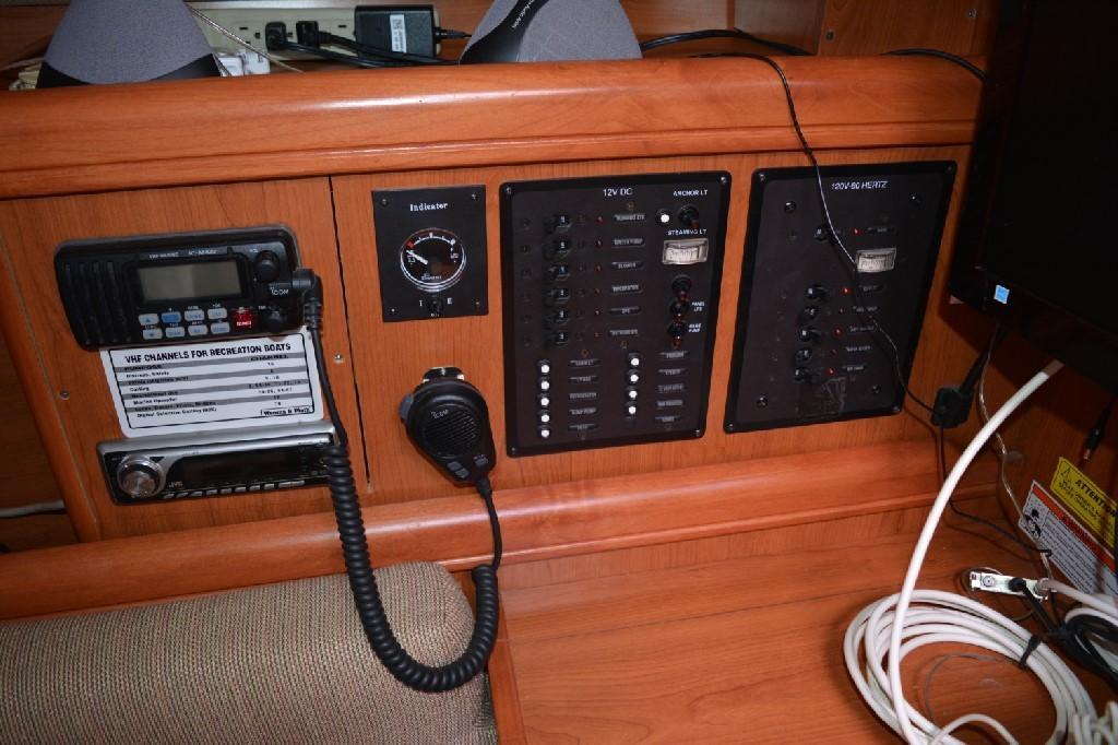 Hunter 33 - Electrical Panels