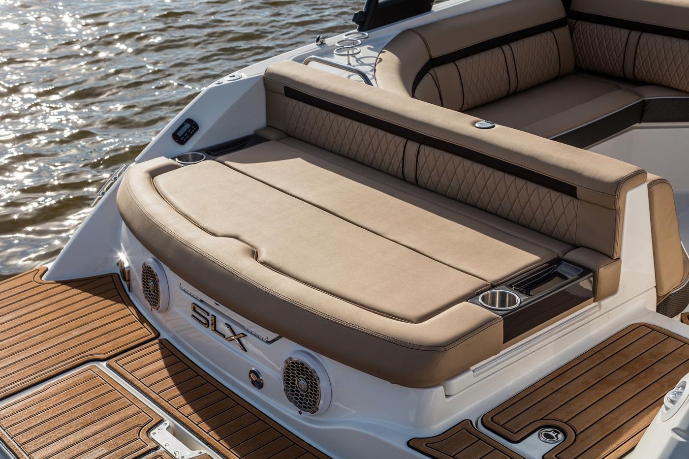 Sea RaySLX 230