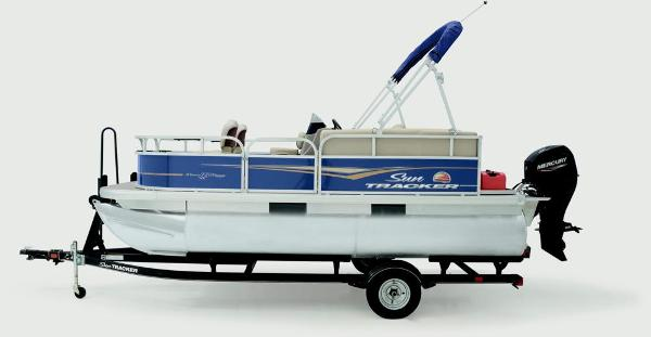 2020 Sun Tracker boat for sale, model of the boat is Bass Buggy 16 XL & Image # 3 of 13