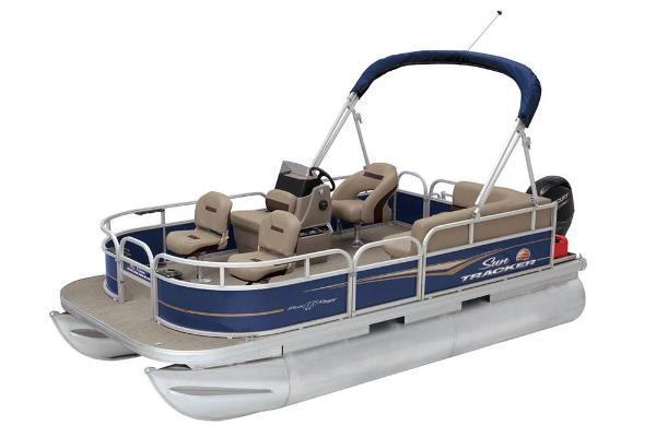 2020 Sun Tracker boat for sale, model of the boat is Bass Buggy 16 XL & Image # 5 of 13