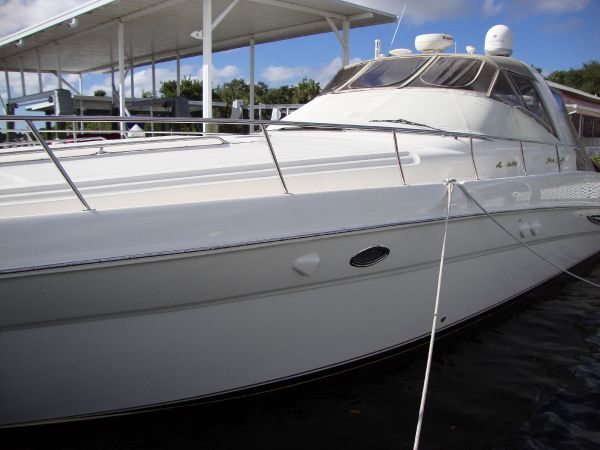Sea Ray 460 Sundancer Motor Yachts. Listing Number: M-3762131