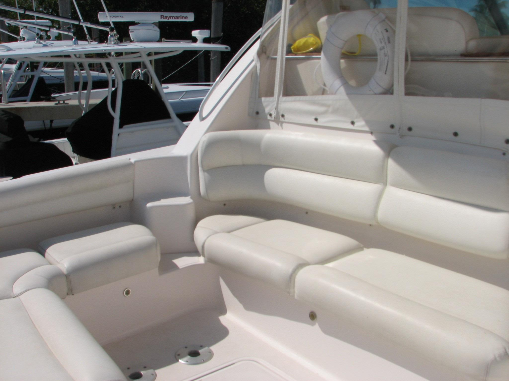 Lower Cockpit Lounge