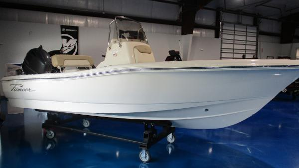 2021 Pioneer boat for sale, model of the boat is 180 Sportfish & Image # 1 of 36