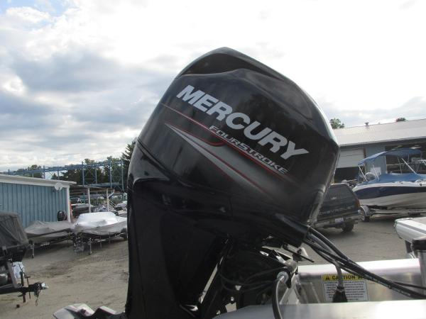 2020 Sun Tracker boat for sale, model of the boat is Party Barge 18 DLX & Image # 3 of 18