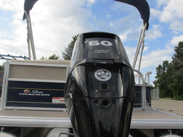2020 Sun Tracker boat for sale, model of the boat is Party Barge 18 DLX & Image # 4 of 18