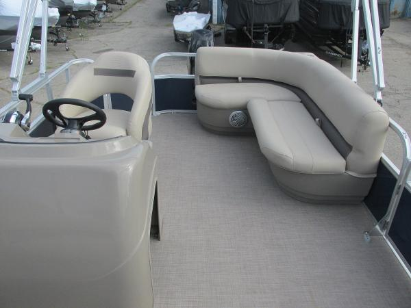 2020 Sun Tracker boat for sale, model of the boat is Party Barge 18 DLX & Image # 5 of 18