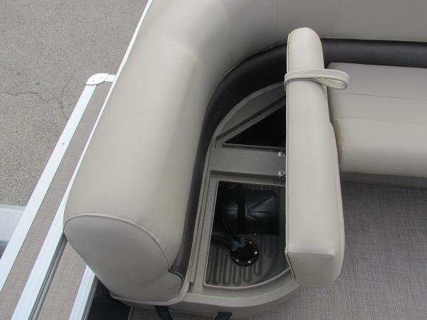 2020 Sun Tracker boat for sale, model of the boat is Party Barge 18 DLX & Image # 7 of 18