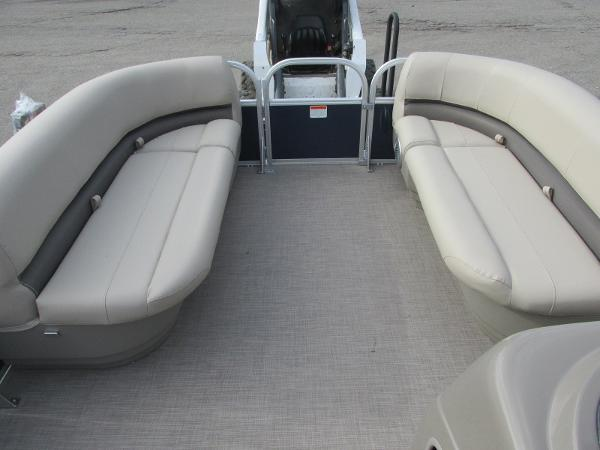2020 Sun Tracker boat for sale, model of the boat is Party Barge 18 DLX & Image # 8 of 18