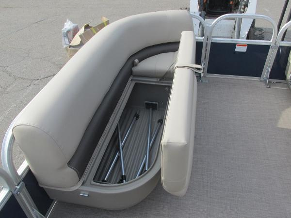 2020 Sun Tracker boat for sale, model of the boat is Party Barge 18 DLX & Image # 9 of 18