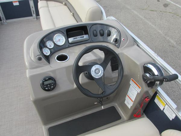 2020 Sun Tracker boat for sale, model of the boat is Party Barge 18 DLX & Image # 12 of 18
