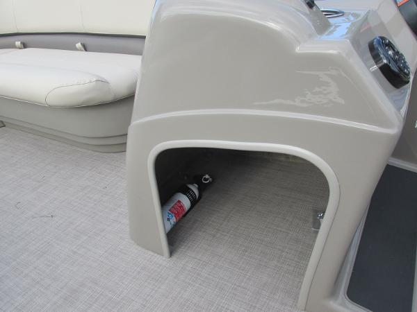 2020 Sun Tracker boat for sale, model of the boat is Party Barge 18 DLX & Image # 15 of 18