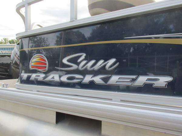 2020 Sun Tracker boat for sale, model of the boat is Party Barge 18 DLX & Image # 16 of 18