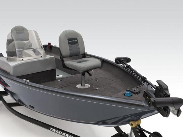 2019 Tracker Boats boat for sale, model of the boat is Pro Guide™ V-16 SC & Image # 12 of 13